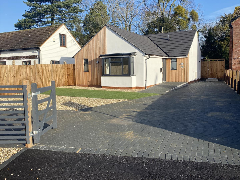 3 bedroom detached bungalow for sale
